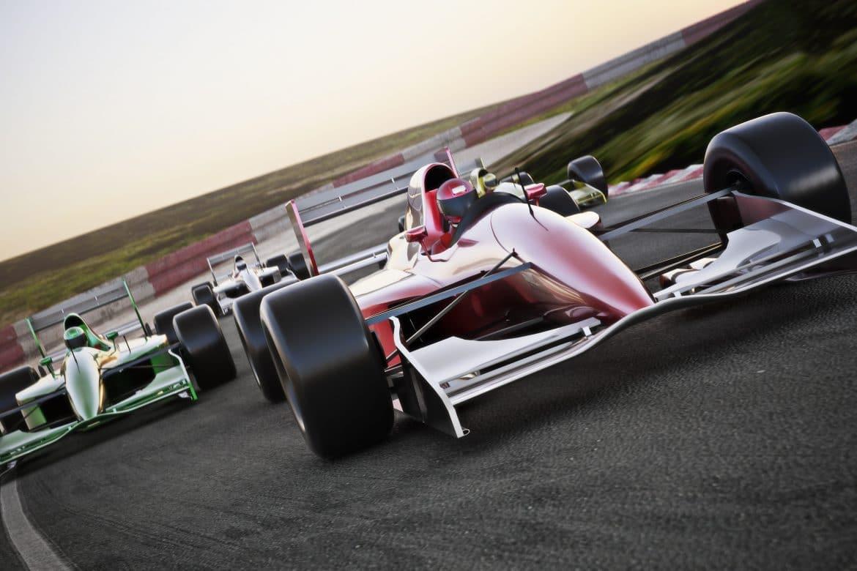 Course automobile sur circuit