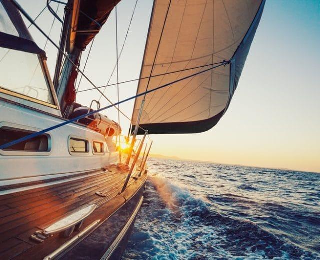 Course au large en bateau