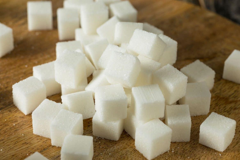 Morceaux de sucre blanc