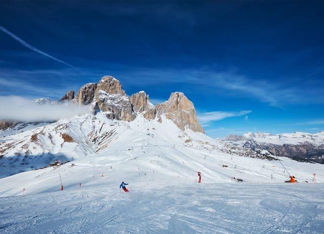 Pistes de ski alpin dans les dolomites