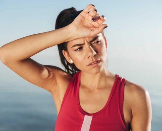 Sportive fatiguée suite à une carence en vitamine B12